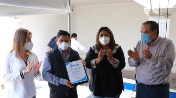 En México la sociedad ha abierto los ojos: Héctor Larios y Genoveva Huerta