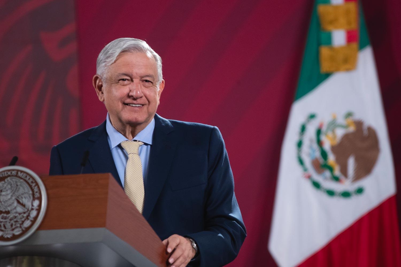 Planteará López Obrador que EU dé nacionalidad a migrantes