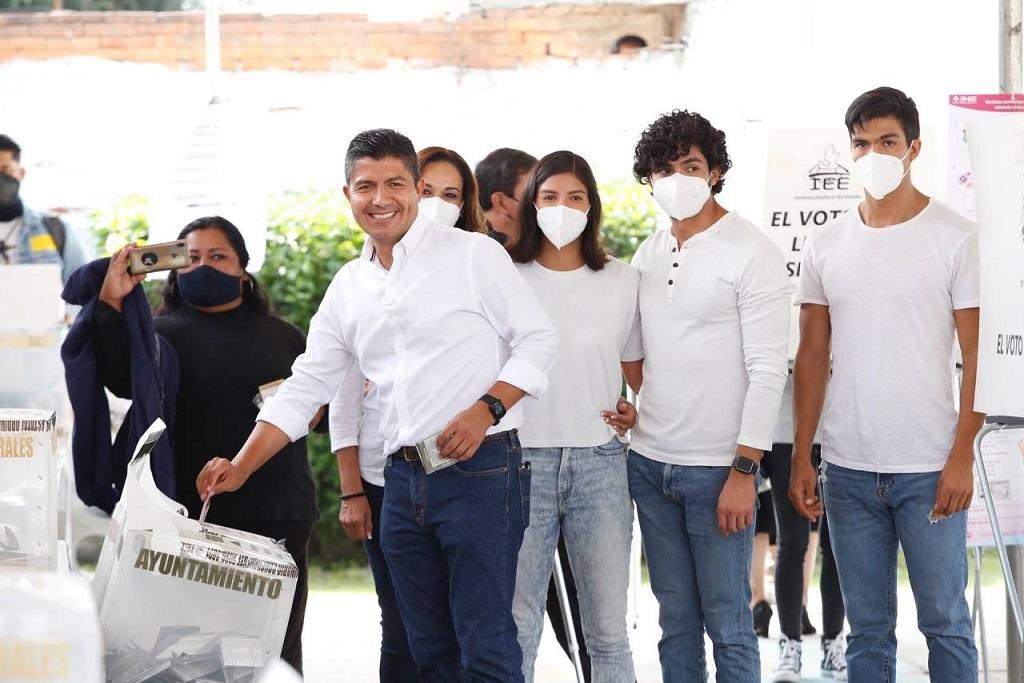 Pide Eduardo Rivera a Claudia Rivera respetar resultados de elección