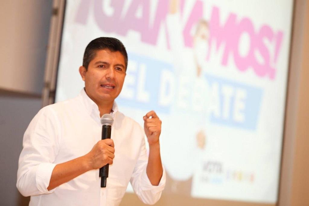 Gana Eduardo Rivera debate rumbo a alcaldía de Puebla