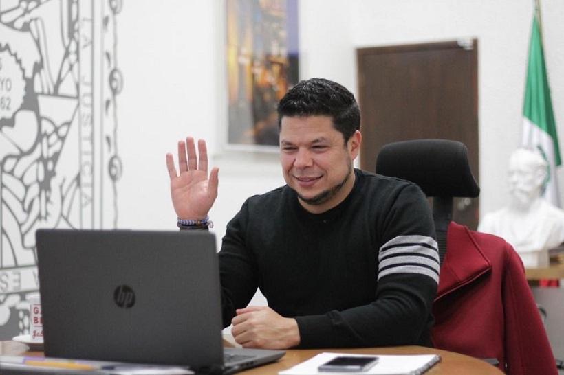 Gabriel Biestro se registra como aspirante de Morena a la alcaldía de Puebla
