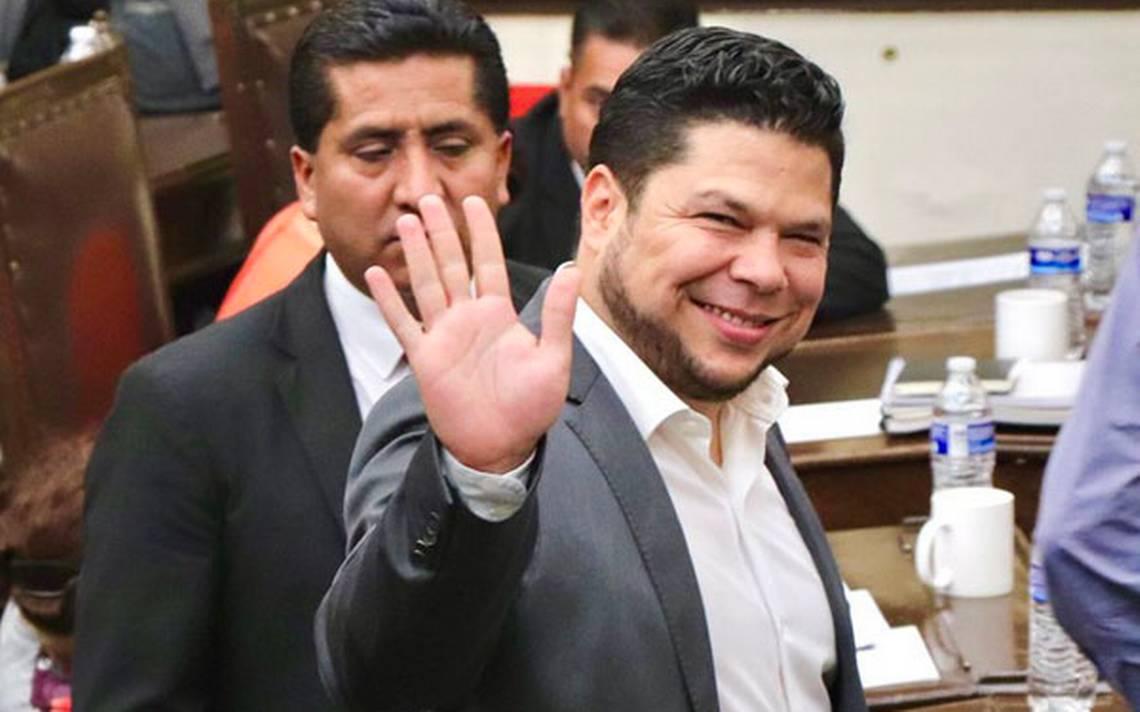 Reconoce Biestro que quiere alcaldía de Puebla; reta a proceso interno