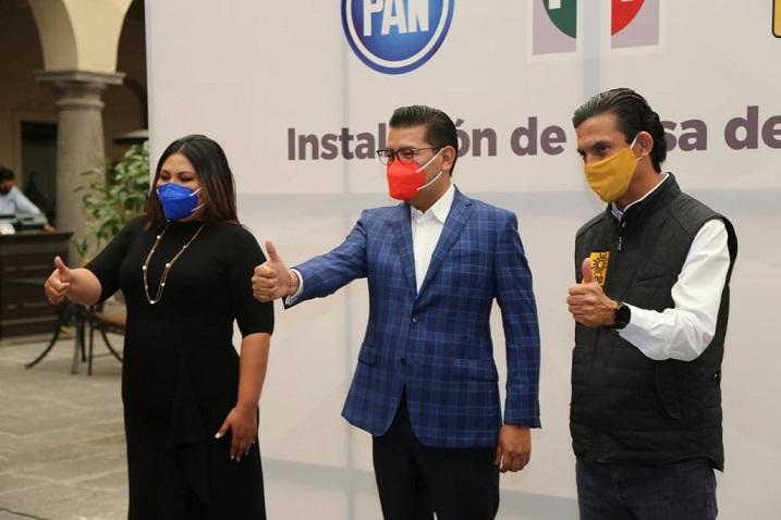 Reconoce Genoveva Huerta agandalle de candidatura, al formalizar alianza PRIANRD