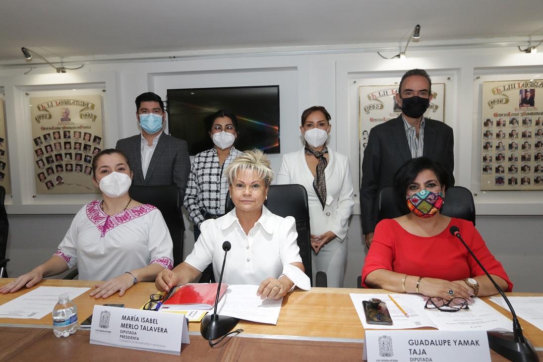 Propone Isabel Merlo designar el 30% de asientos en transporte público para mujeres