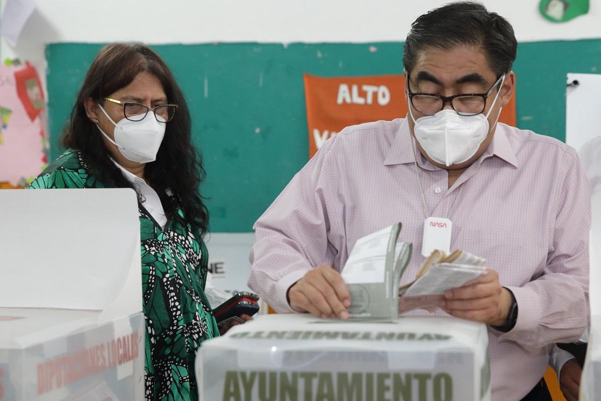 """Llama Barbosa a poblanos a ser partícipes de una jornada electoral """"virtuosa"""""""