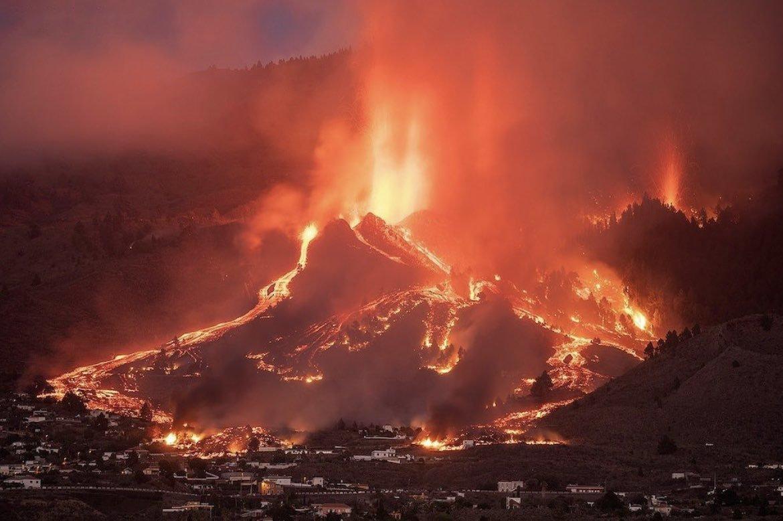 Explosiones y emisión de lava aumentaron considerablemente en volcán de La Palma