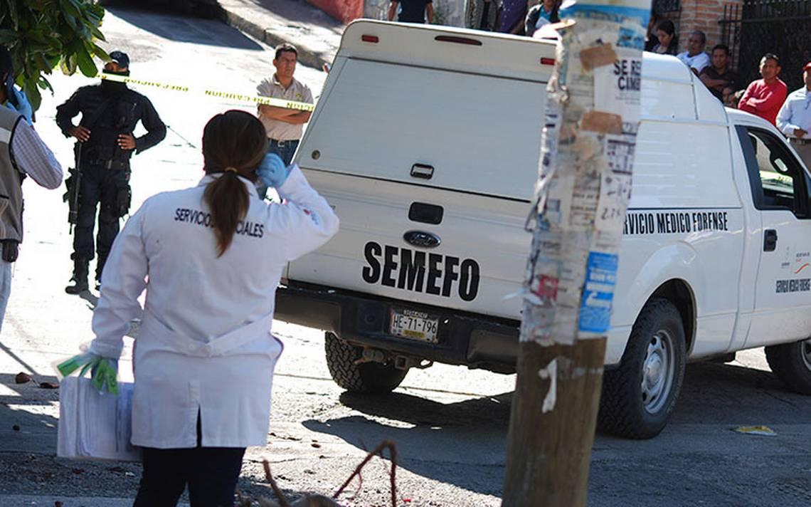 Transporte de personal atropella y mata a dos hombres en Apizaco-Tlaxcala