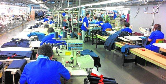 Recupera Puebla mil 500 empleos en la industria manufacturera