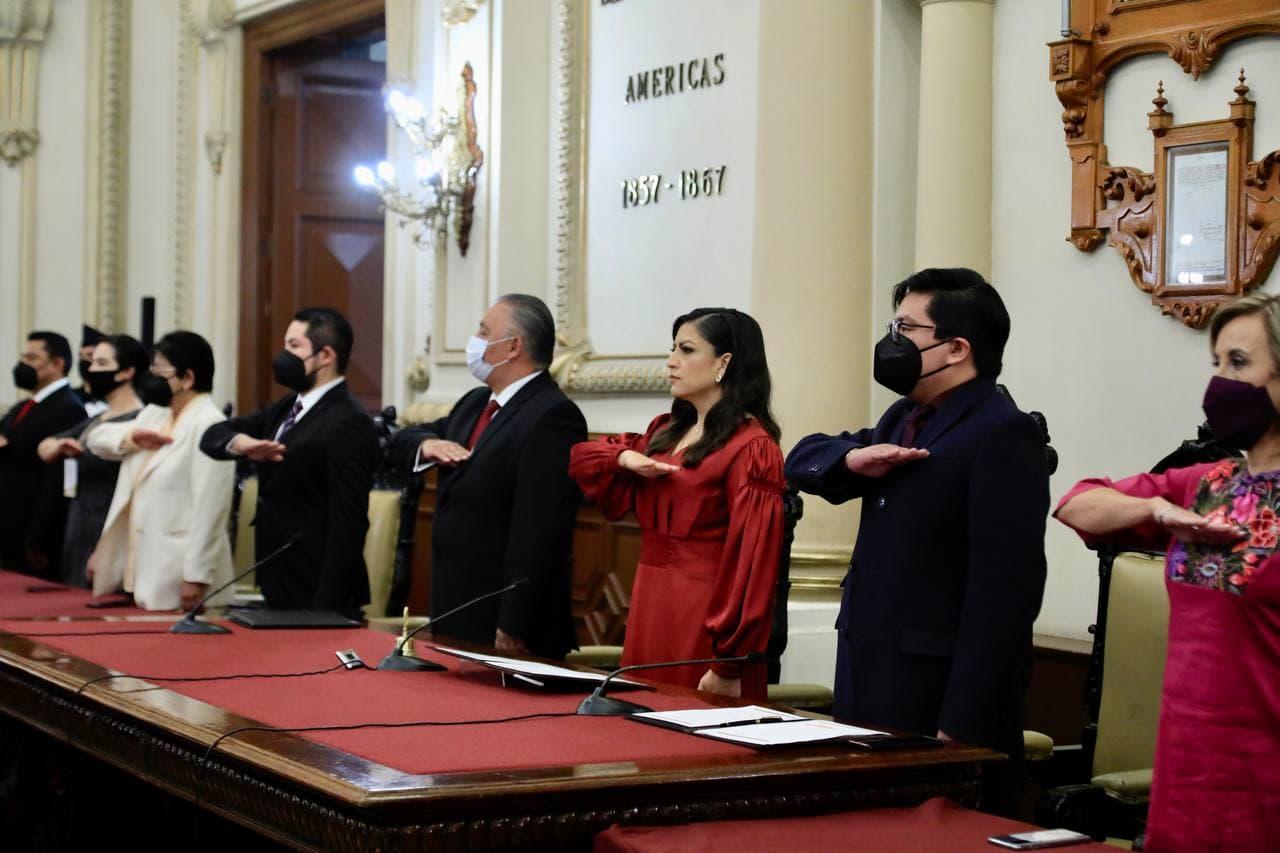 Claudia Rivera Vivanco rinde su tercer informe de gobierno ante Cabildo